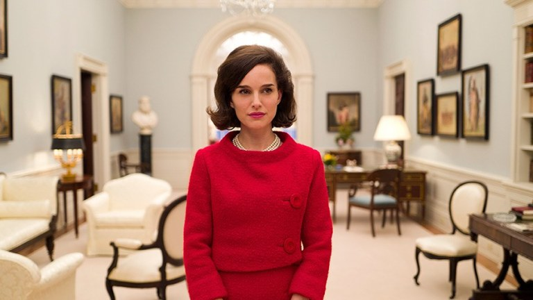 t-natalie-portman-jackie-kennedy-first-look-png
